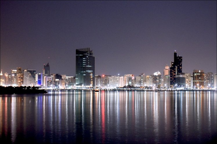 Abu_Dhabi_at_Night_by_Sniper2000